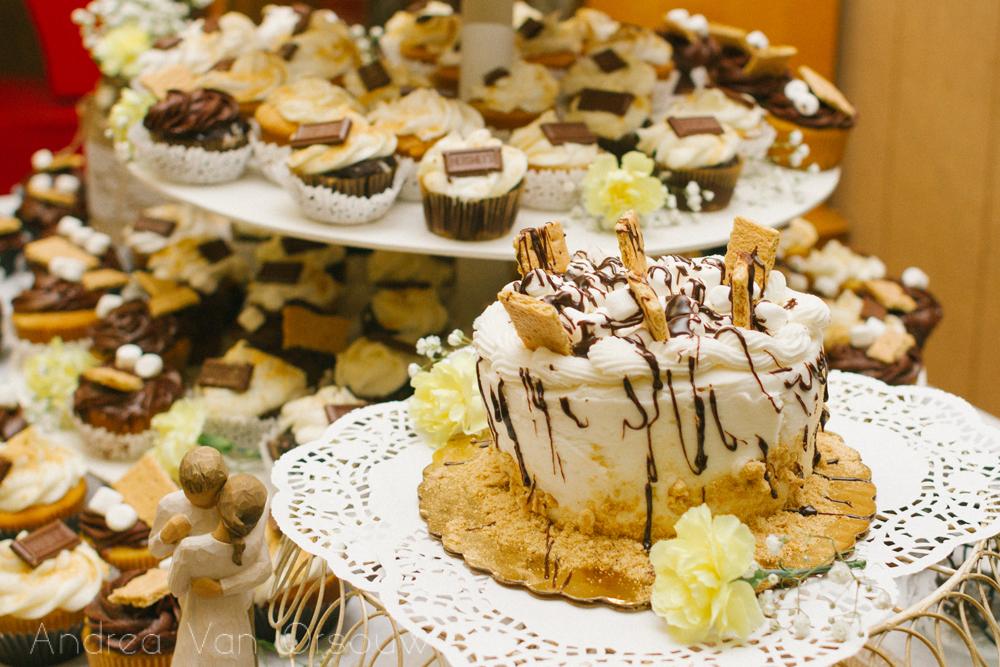 smores_wedding_cake.jpg
