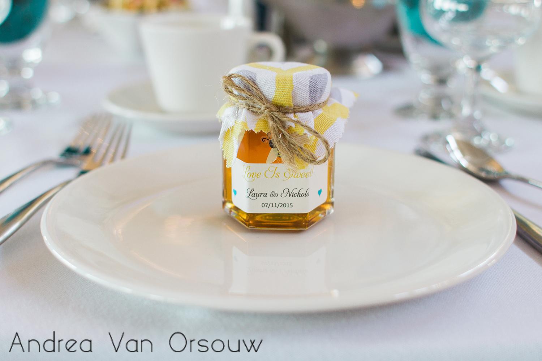 honey_wedding_day_souvenier_gifts.jpg
