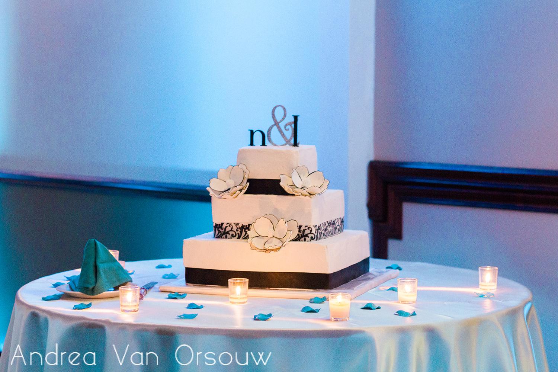 wedding_cake_blackandwhite.jpg
