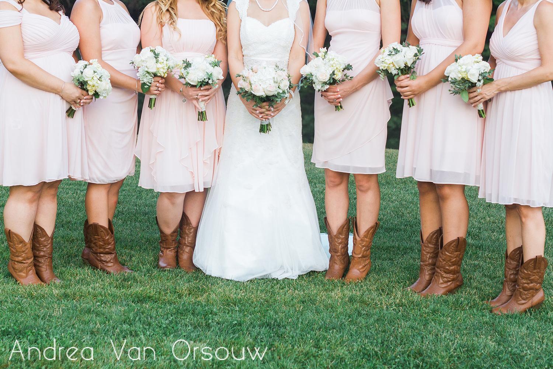 bridesmaids_bouquets.jpg