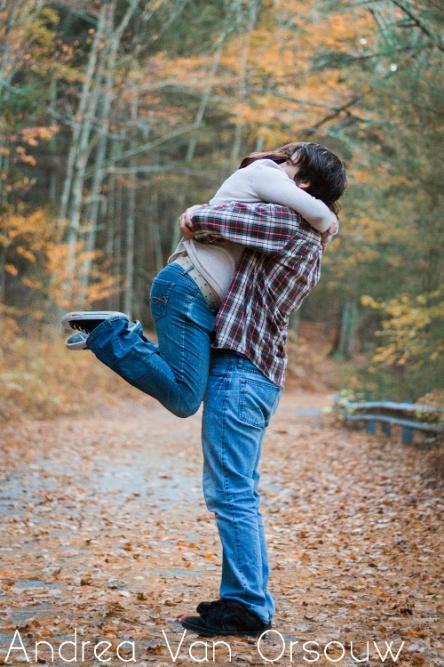 engagement_pose_connecticut_photographer.jpg