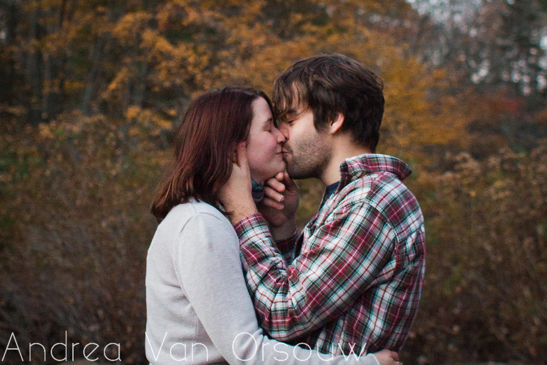 kiss_in_fall.jpg