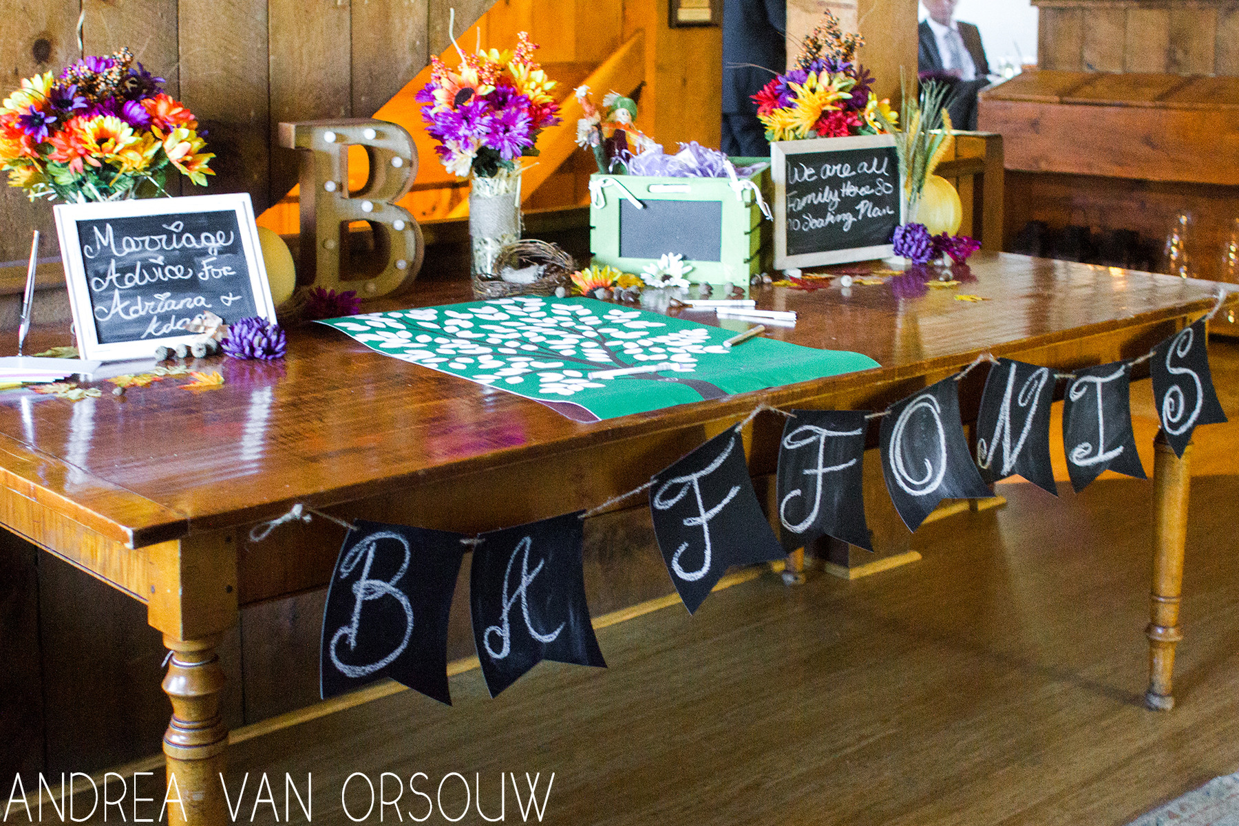 fall_themed_wedding_table_set_up.jpg