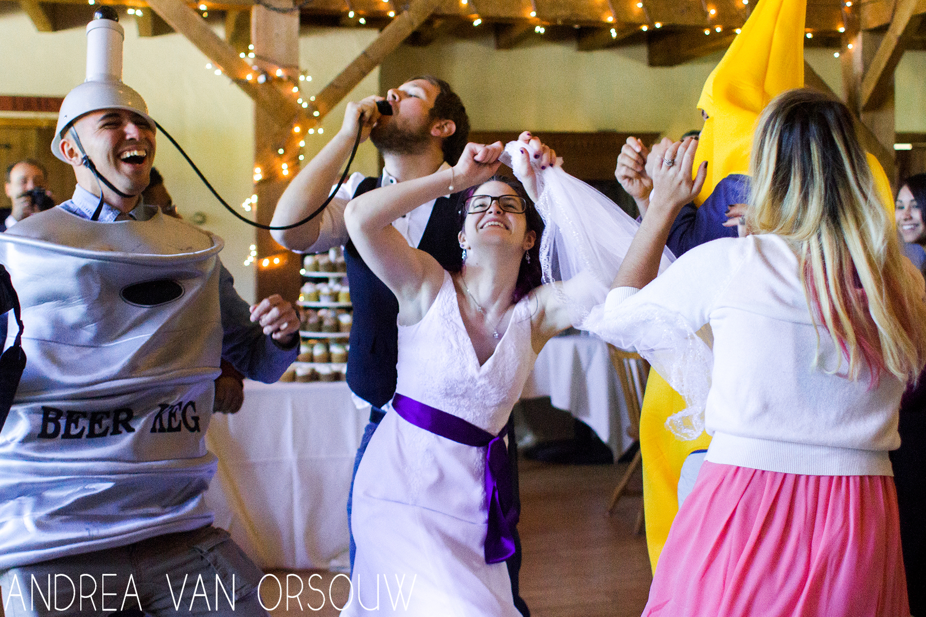 costume_dancing_wedding.jpg
