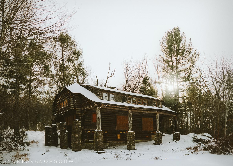 cabin_in_the_woods_case_mountain.jpg
