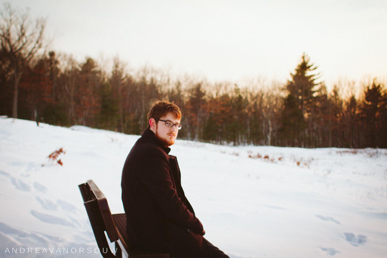 boyfriend_hiking_snow_winter.jpg