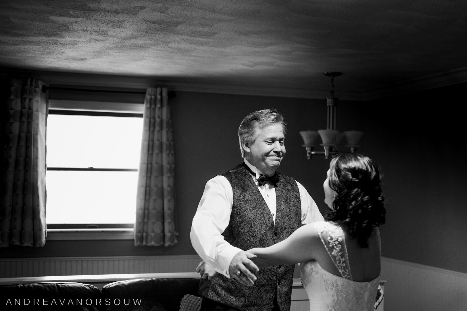 father_of_the_bride_first_look_wedding_photography_rhode_island_connecticut.jpg