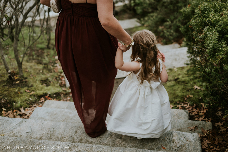 flower_girl_maid_of_honor_niece_wedding_day_candid_new_england_Wedding_photographer.jpg