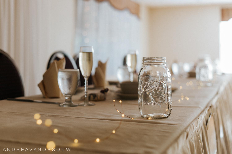 mason_jar_wedding_details_lights_sparkle_bridal_dinner_table_decoration.jpg
