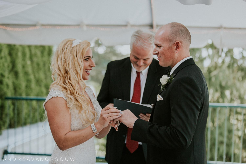 kirkbrae_country_club_bride_groom_wedding_rhode_island_lincoln_natural_photography_connecticut_new_england_photographer.jpg