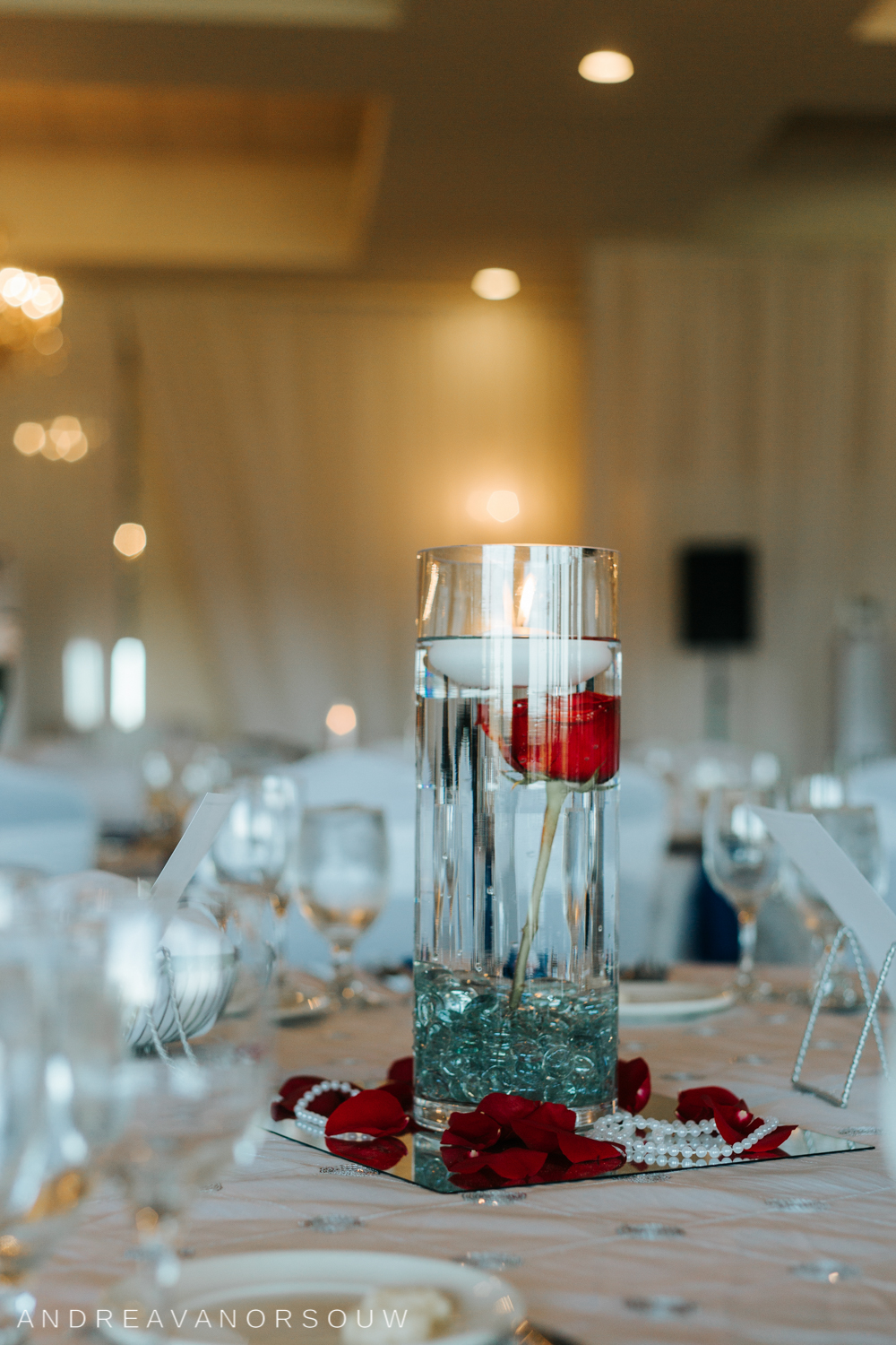 centerpiece_rose_kirkbrae_country_club_bride_groom_wedding_rhode_island_lincoln_natural_photography_connecticut_new_england_photographer.jpg