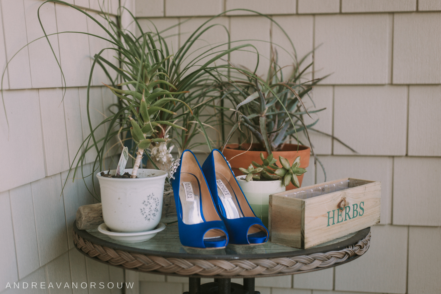 pawtucket_country_club_wedding_outdoors_rhode_island_new_england_connecticut_summer_Wedding_natural_photographer_photography_shoes_blue_plants_herbs.jpg