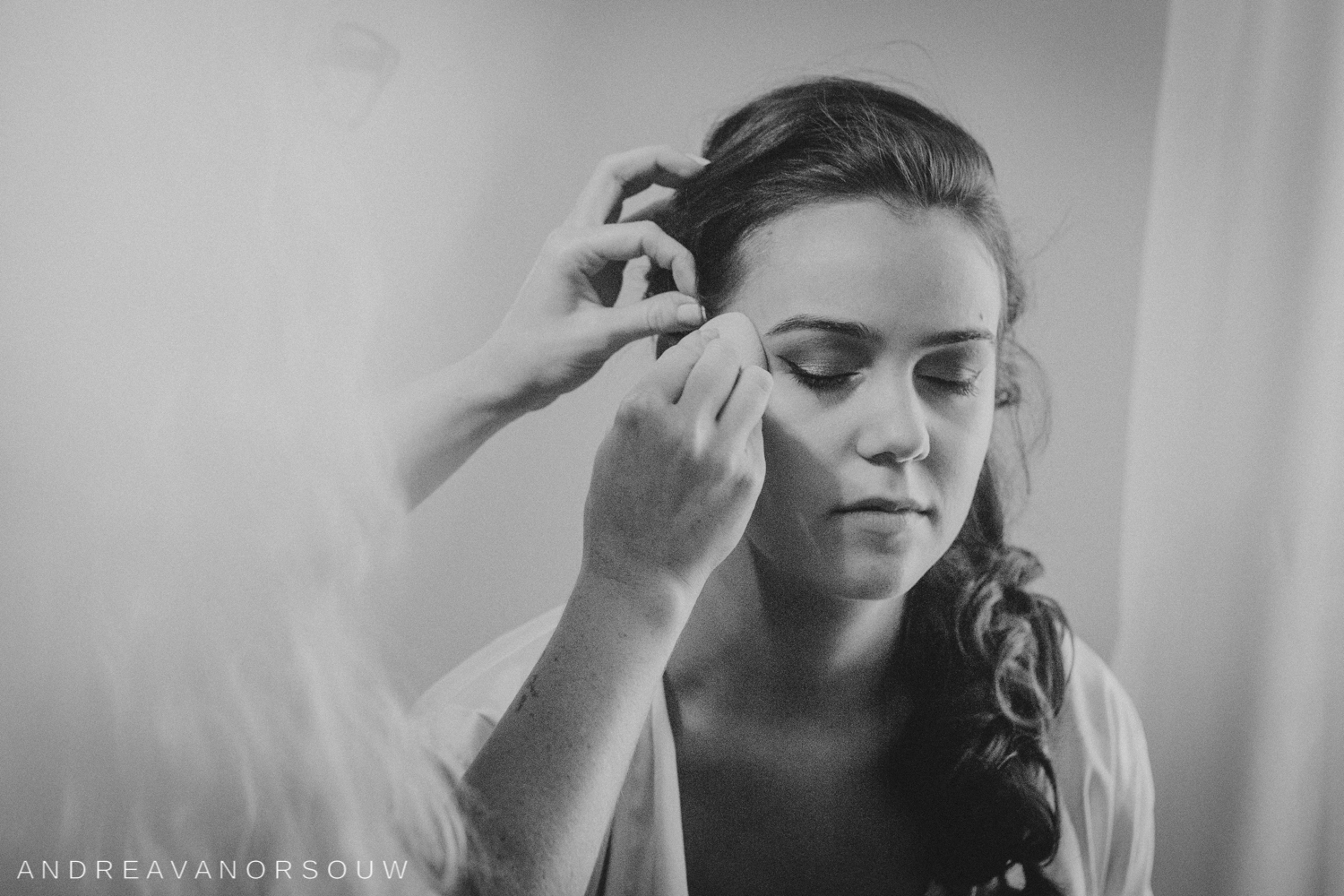 pawtucket_country_club_wedding_outdoors_rhode_island_new_england_connecticut_summer_Wedding_natural_photographer_photography_hair_and_makeup_bride.jpg