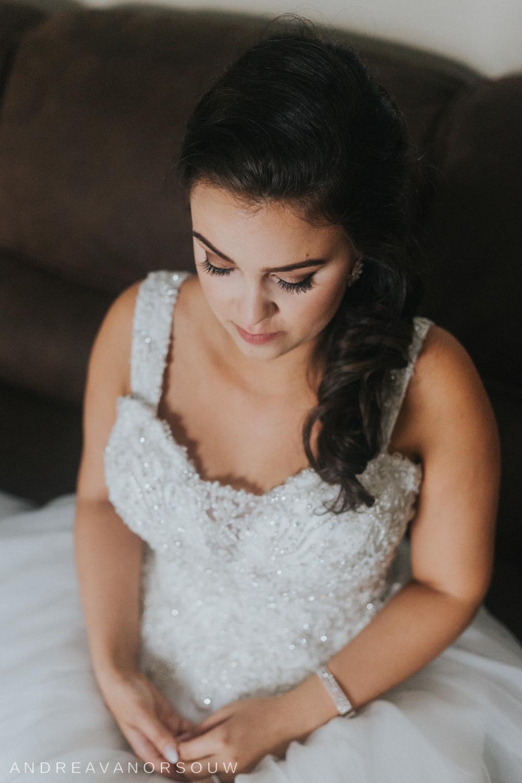 pawtucket_country_club_wedding_outdoors_rhode_island_new_england_connecticut_summer_Wedding_natural_photographer_photography_makeup_detail.jpg