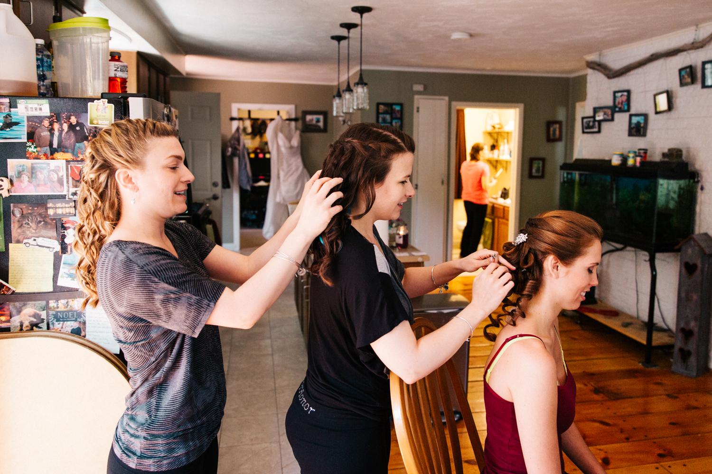 bridesmaids-getting-ready-boston-massachusetts-new-england-wedding-photographer.jpg