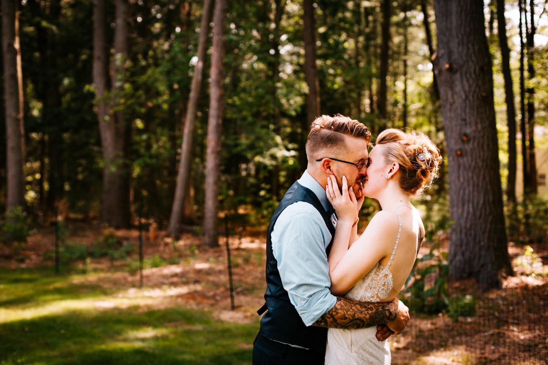 kiss-granby-ct-ma-hartford-boston-providence-rhode-island-wedding-day-poses-backyard-photogarpher.jpg
