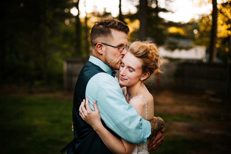 wedding-photographer-backyard-summer-hartford-new-england.jpg