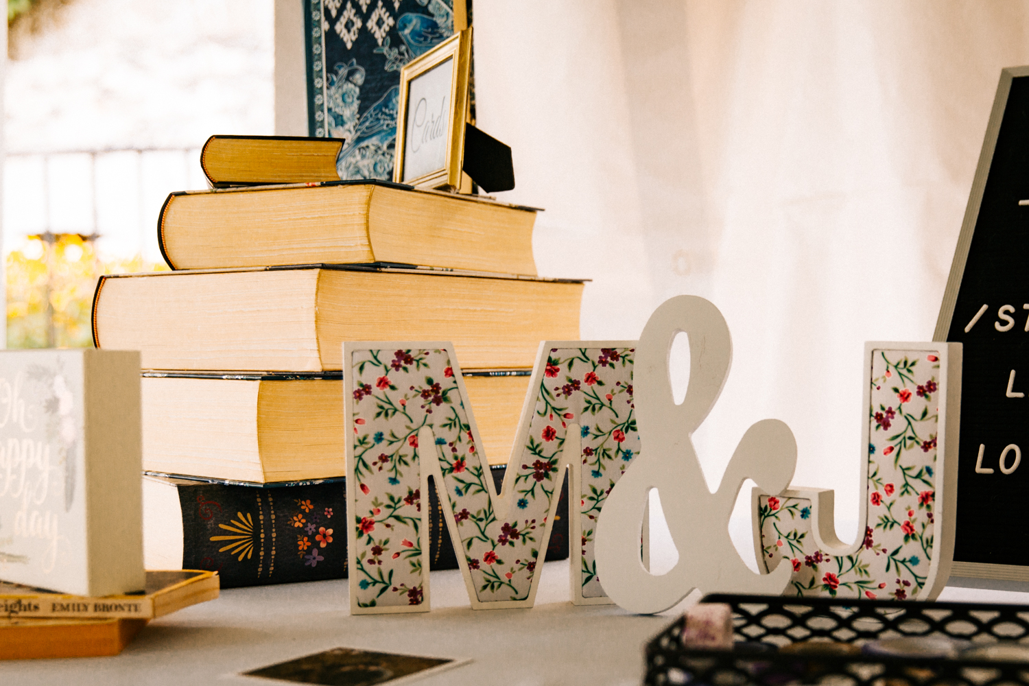 literature-book-theme-wedding-new-england-massachusetts-rhode-island-gwyn-careg-inn-connecticut-pomfret.jpg
