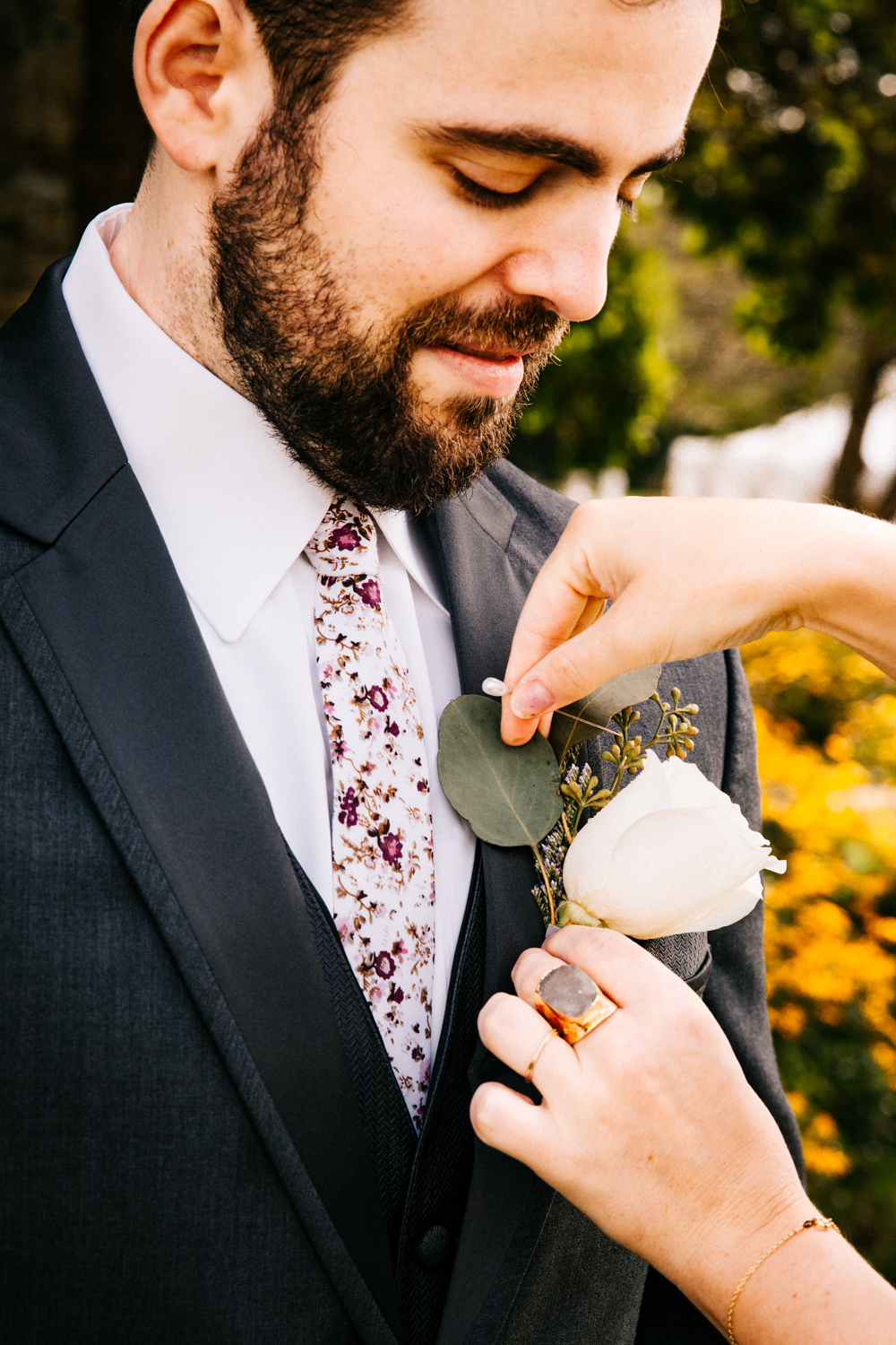groom-new-england-weddings-boutonnaire-pomfret-center-ct-gwyn-careg-inn-ri-ma.jpg