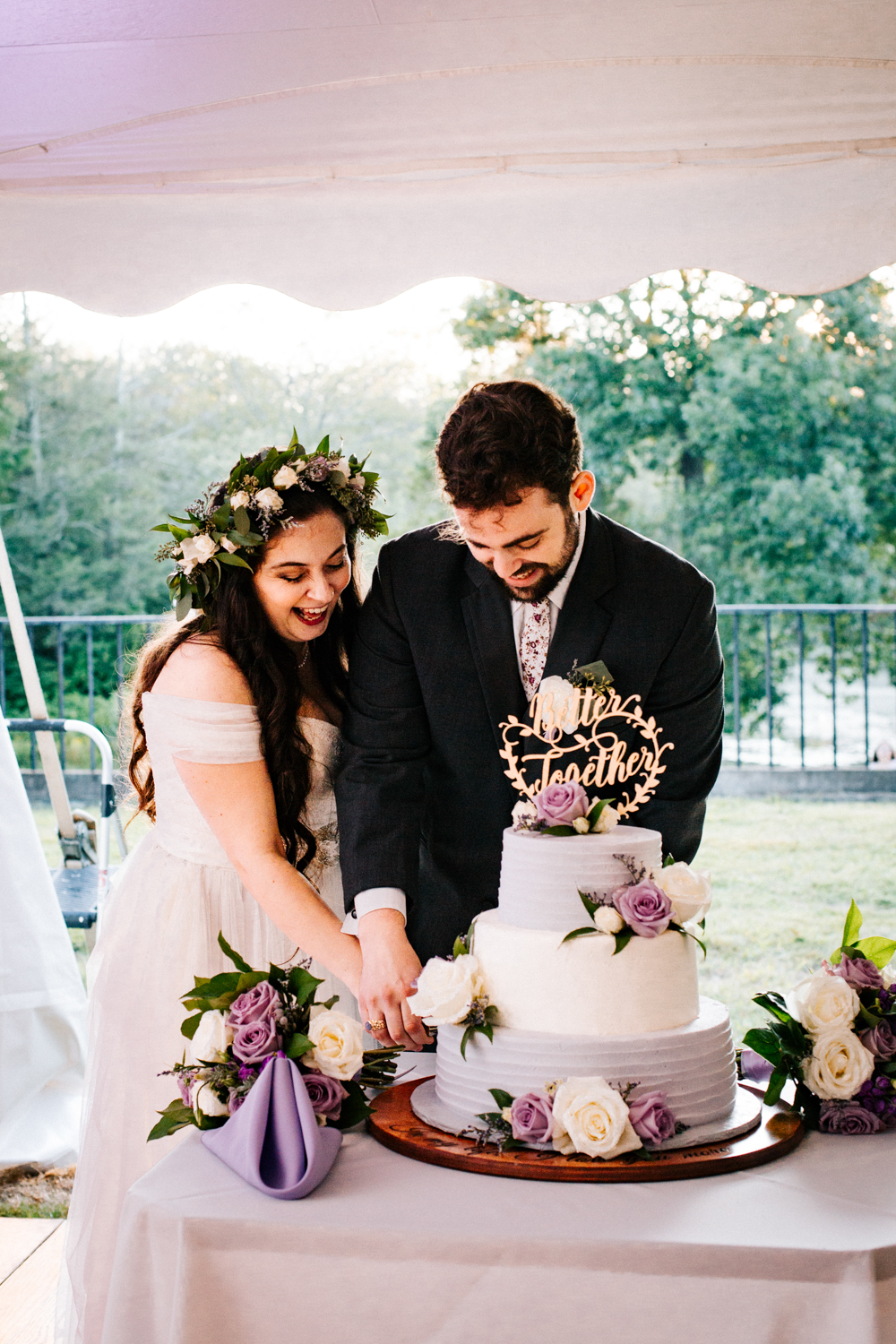 cake-cutting-pomfret-center-ct-gwyn-careg-connecticut-new-england-photography-wedding.jpg