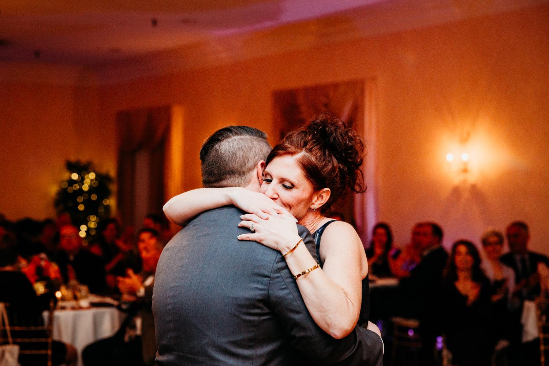 groom-mother-dance-wannamoisett-country-club-wedding-photographer-new-england.jpg
