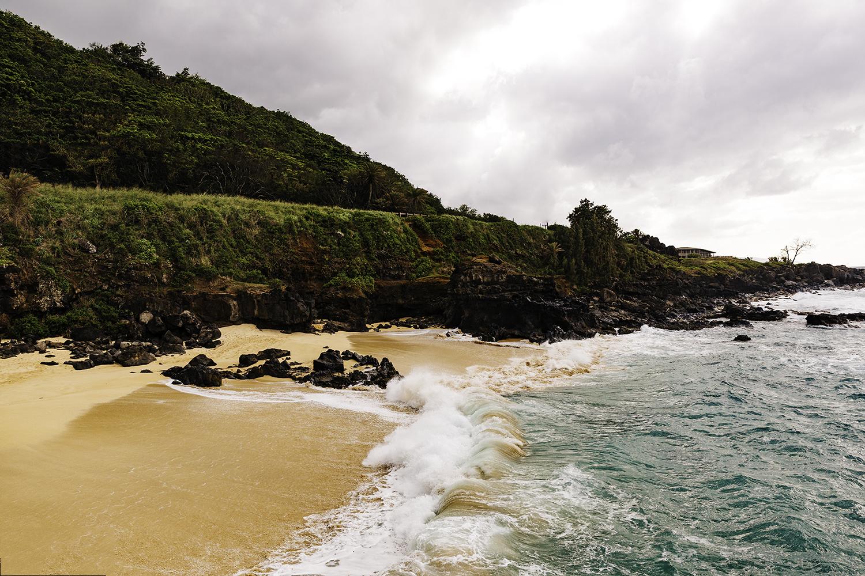 waimea-bay-beach-hawaii-wedding-photographer-elopement-adventure-photography.jpg