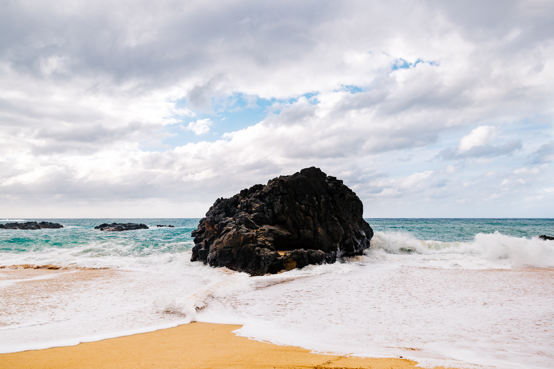 hawaii-travel-photography-wedding-photographer-waimea-beach-bay-destination-weddings.jpg