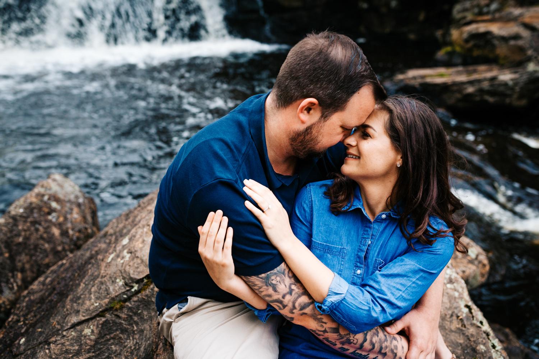 andrea-vanorsouw-photography-adventurous-engagement-photos-devils-hopyard-park-connecticut-photographer.jpg