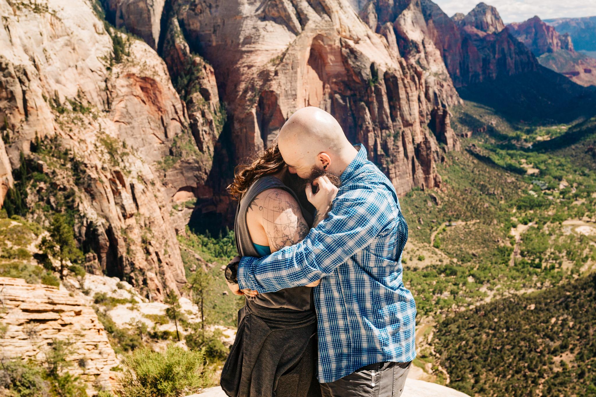 proposal-at-zion-national-park-angels-landing-utah-adventure-photographer-andrea-van-orsouw-photography.jpg
