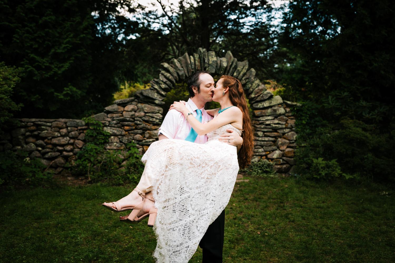 elopement-adventurous-natural-fun-andrea-van-orsouw-photography-photographer-kinney-azalea-garden-north-kingstown-rhode-island-intimate-wedding.jpg