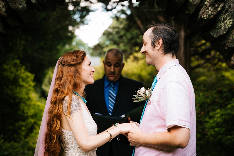 fun-rhode-island-intimate-wedding-kinney-azalea-garden-north-kingstown-rhode-island-elopement-andrea-van-orsouw-photography-adventurous-natural.jpg