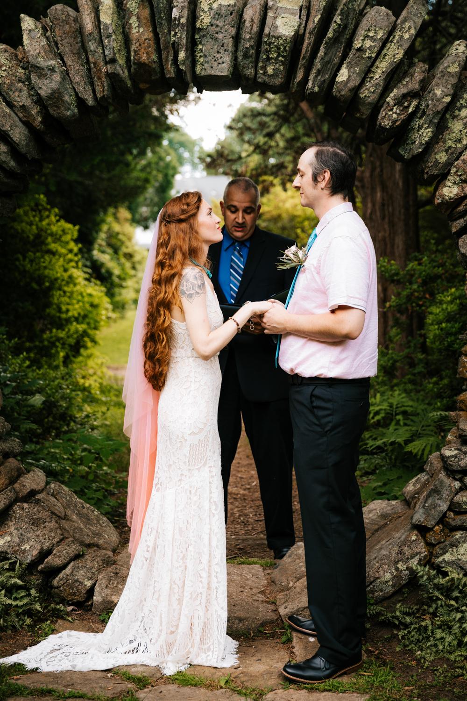 kinney-azalea-garden-photographer-north-kingstown-andrea-van-orsouw-photography-rhode-island-fun-intimate-wedding-natural-elopement.jpg