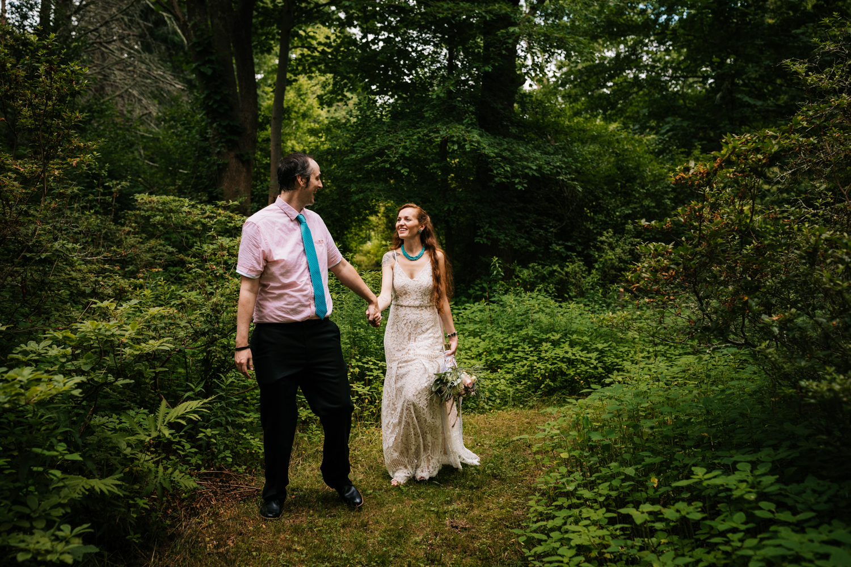kinney-azalea-garden-wedding-andrea-van-orsouw-photography-natural-intimate.jpg