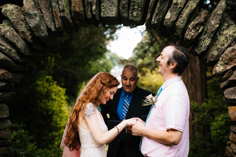 natural-elopement-andrea-van-orsouw-photographer-kinney-azalea-garden-rhode-island-intimate-fun-wedding.jpg