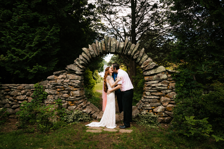 natural-elopement-intimate-fun-wedding-andrea-van-orsouw-photography-kinney-azalea-garden-adventorous-photographer-rhode-island.jpg