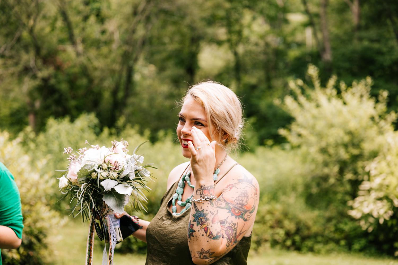 natural-intimate-wedding-kinney-azalea-garden-north-kingstown-rhode-island-andrea-van-orsouw-photography-fun-adventurous-photographer.jpg