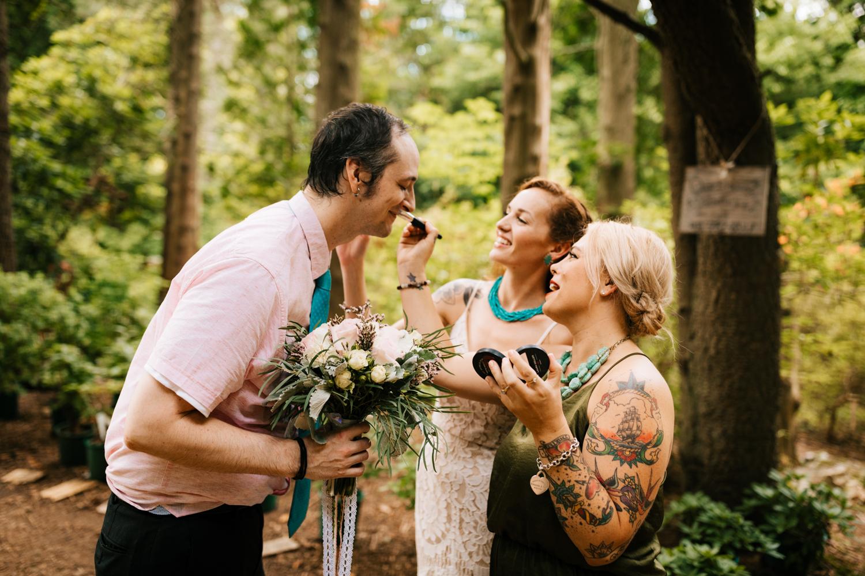 photographer-rhode-island-elopement-intimate-wedding-kinney-andrea-van-orsouw-photography-azalea-garden-north-kingstown-fun-natural-adventurous.jpg