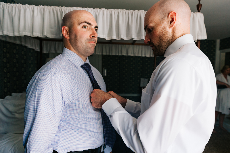 2. wedding-andrea-van-orsouw-photography-adventurous-salem-cross-inn-boston-massachusetts-fun-photographer-natural.jpg