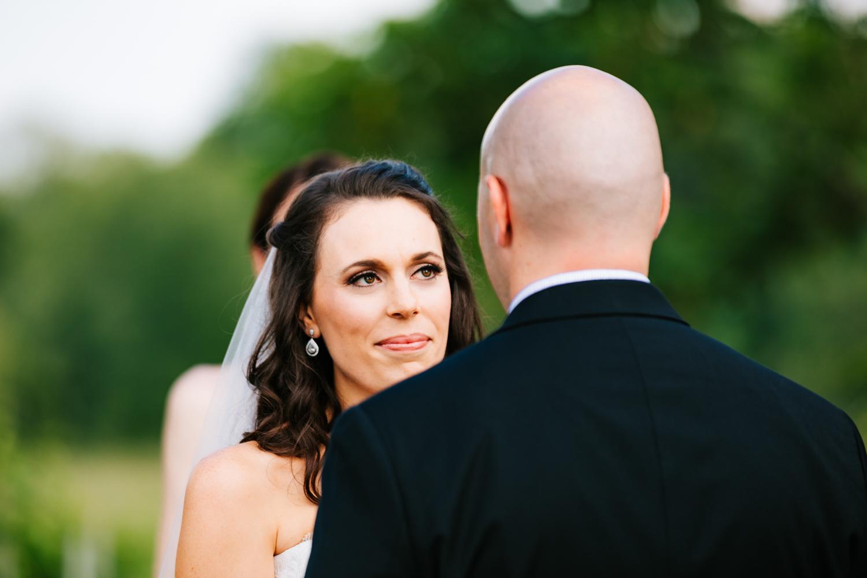 26. massachusetts-adventurous-wedding-photographer-andrea-van-orsouw-photography-salem-cross-inn-fun-natural-boston.jpg