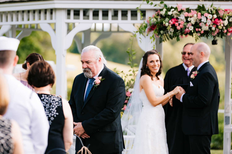 25. salem-cross-inn-wedding-andrea-van-orsouw-photography-fun-natural-adventurous-photographer-boston-massachusetts.jpg