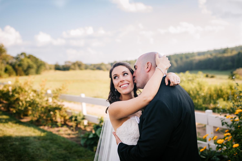 37. adventurous-andrea-van-orsouw-photography-boston-massachusetts-photographer-fun-natural-salem-cross-inn-wedding.jpg