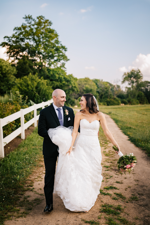 38. andrea-van-orsouw-photography-salem-cross-inn-fun-natural-wedding-adventurous-boston-massachusetts-photographer.jpg