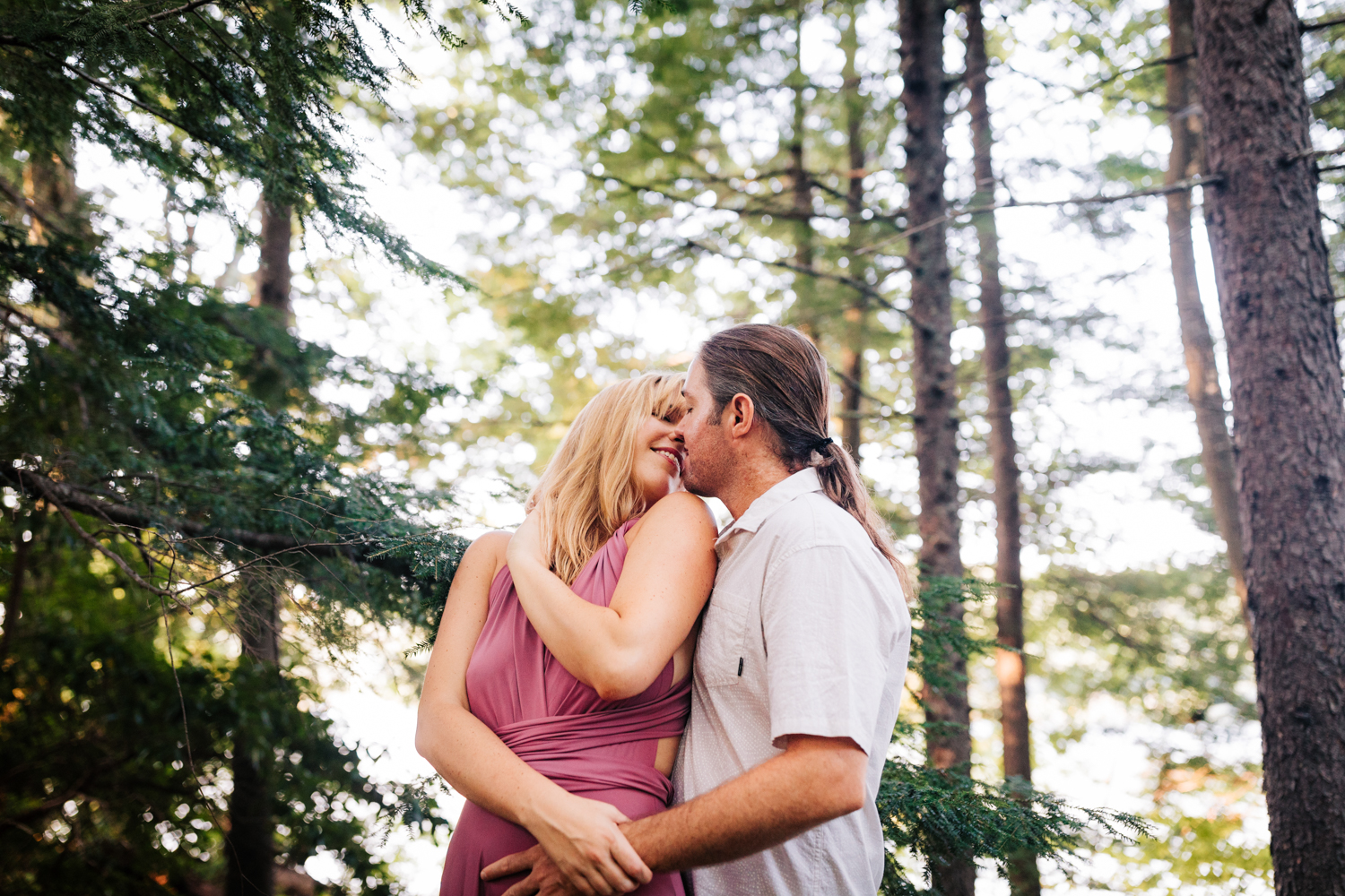 natural-fun-woodsy-engagement-new-hampshire-andrea-van-orsouw-photography-dublin-adventurous-photographer.jpg