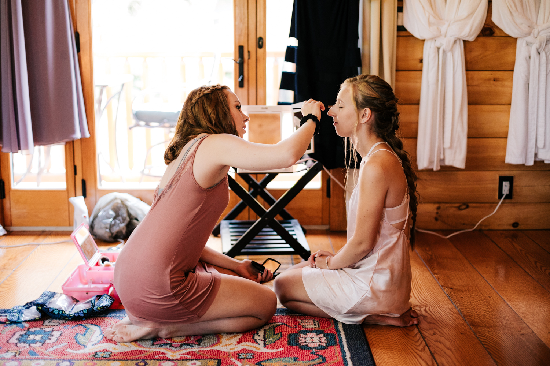 3. adventurous-boston-andrea-van-orsouw-photography-massachusetts-natural-salem-cross-inn-wedding-fun-photographer.jpg