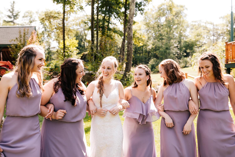 11 adventurous-fun-natural-wedding-photographer-salem-cross-inn-boston-massachusetts-andrea-van-orsouw-photography.jpg
