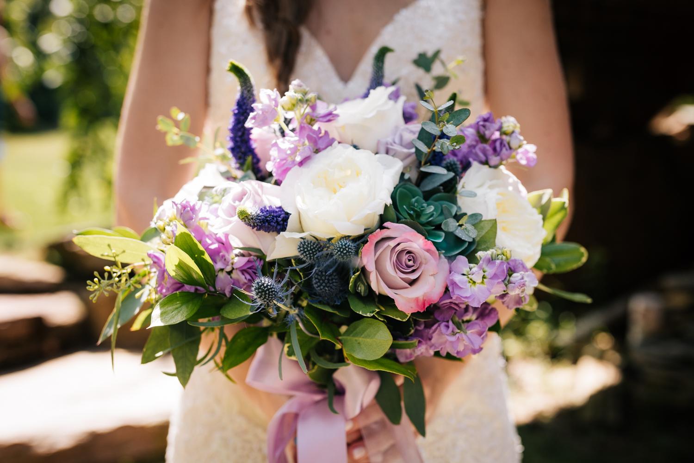 14 adventurous-fun-natural-wedding-photographer-salem-cross-inn-boston-massachusetts-andrea-van-orsouw-photography.jpg