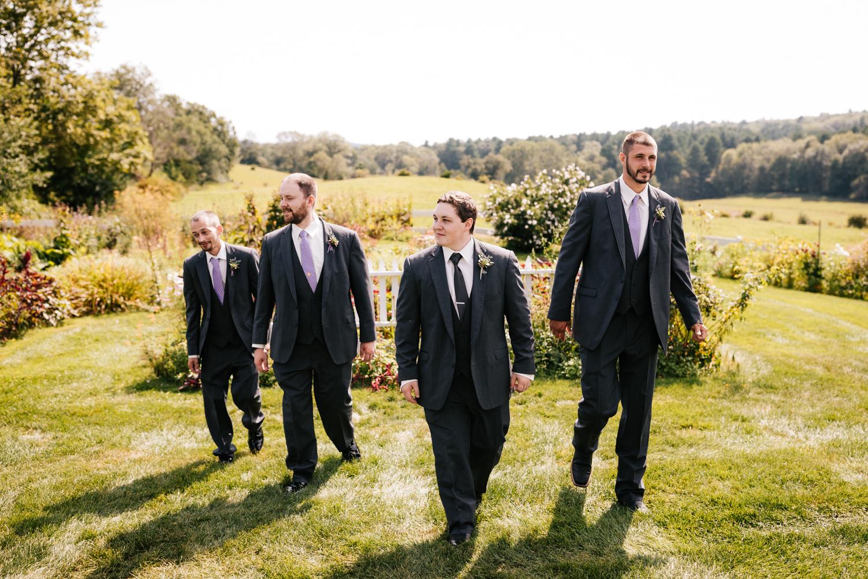 19 adventurous-fun-natural-wedding-photographer-salem-cross-inn-boston-massachusetts-andrea-van-orsouw-photography.jpg