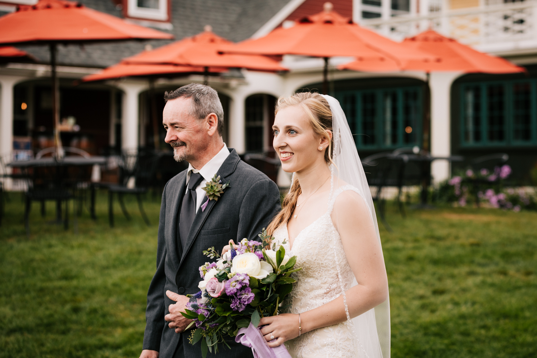 24 adventurous-fun-natural-wedding-photographer-salem-cross-inn-boston-massachusetts-andrea-van-orsouw-photography.jpg