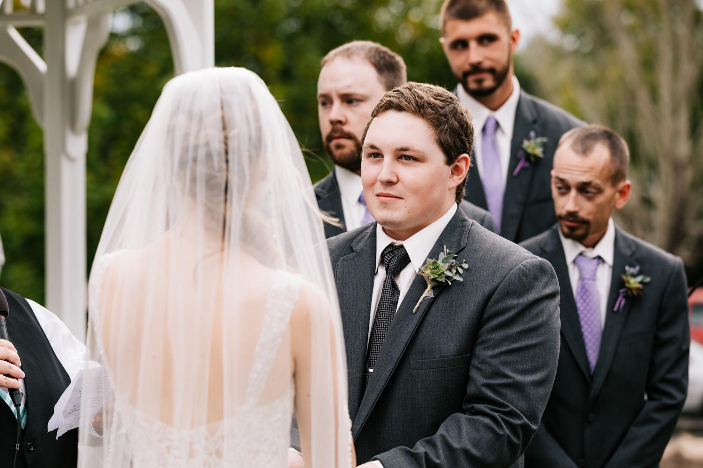 26 adventurous-fun-natural-wedding-photographer-salem-cross-inn-boston-massachusetts-andrea-van-orsouw-photography.jpg