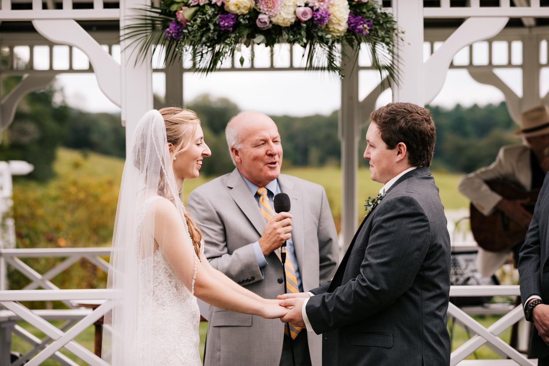 27 adventurous-fun-natural-wedding-photographer-salem-cross-inn-boston-massachusetts-andrea-van-orsouw-photography.jpg